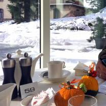 breakfast in snow: Davos